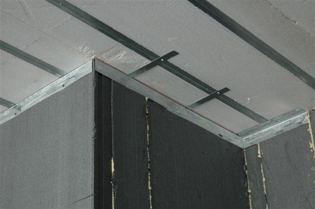 Bloccaggio pareti su solaio Plastbau